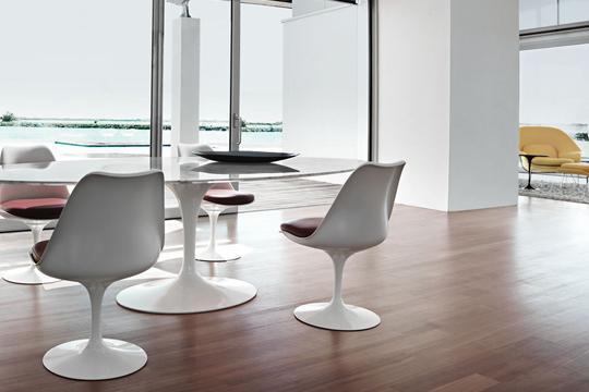 Tulip tafel en stoelen