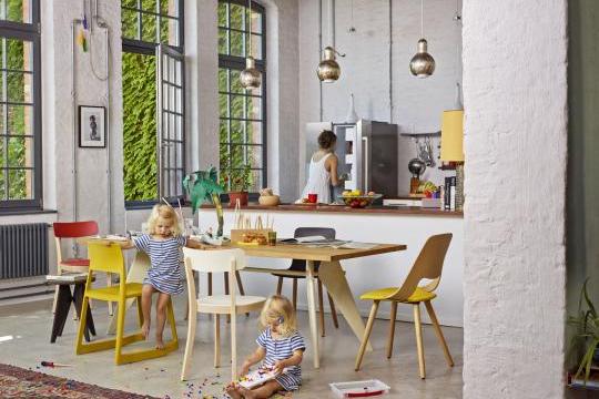 Tip Ton Vitra - Em-table-jill-wood-tabouret-solvay-basel-chair (1)